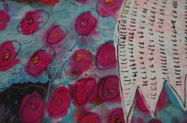 Rosa Kreise bluten durch 3 Schichten Gesso